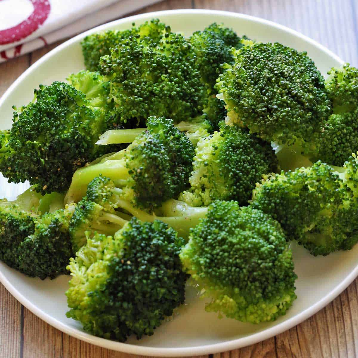 Steamed Broccoli With Olive Oil Lemon Dressing Healthy Recipes Blog